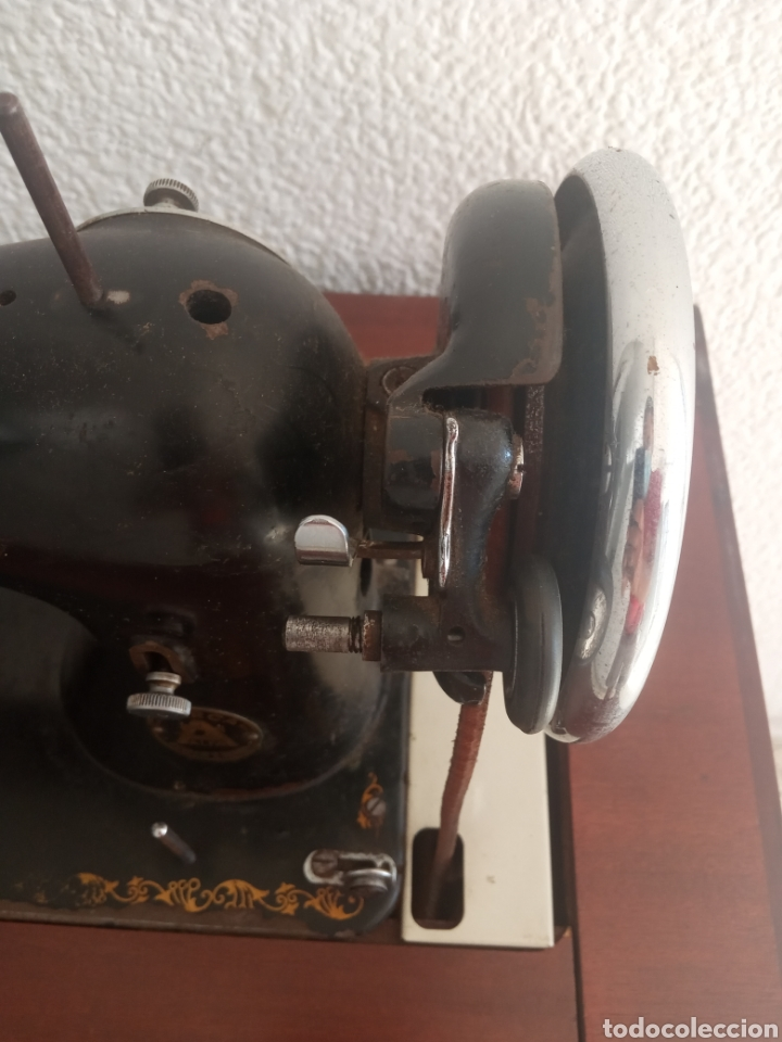 Antigüedades: Maquina de coser y mueble Alfa - Foto 4 - 216471815