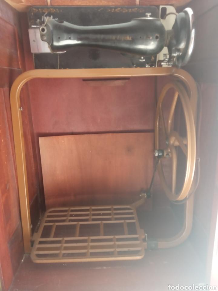 Antigüedades: Maquina de coser y mueble Alfa - Foto 7 - 216471815