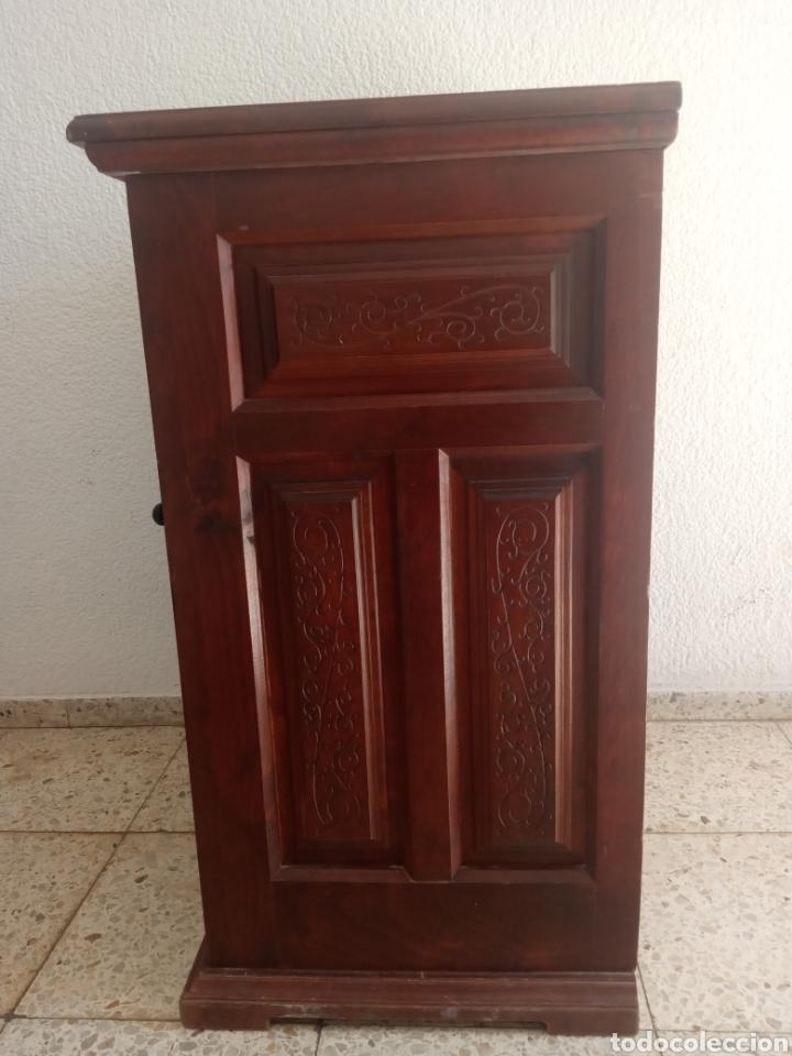 Antigüedades: Maquina de coser y mueble Alfa - Foto 10 - 216471815