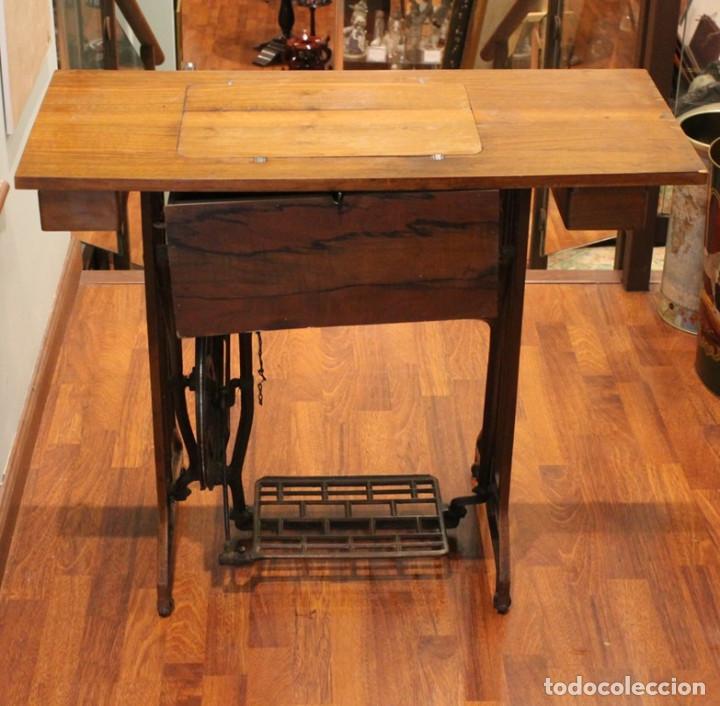 Antigüedades: Máquina Alfa, mueble original de hierro.Este producto sólo se suministra en Madrid - Foto 2 - 216490828