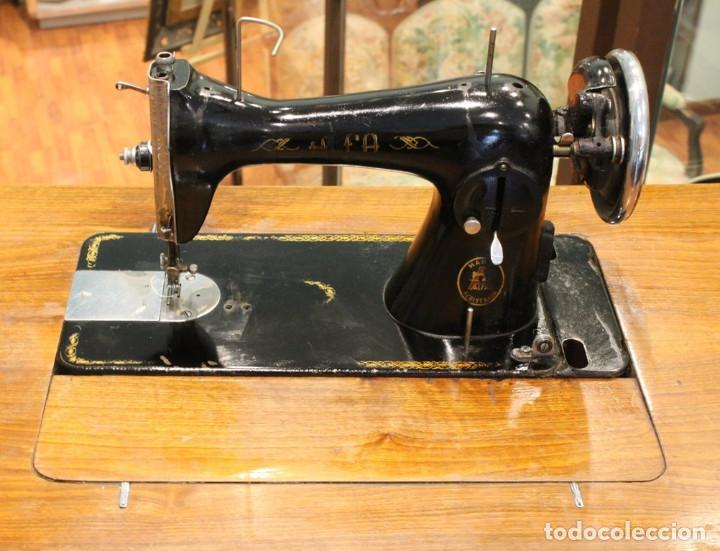 Antigüedades: Máquina Alfa, mueble original de hierro.Este producto sólo se suministra en Madrid - Foto 4 - 216490828