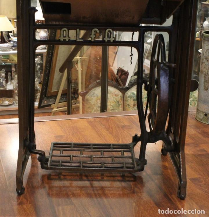 Antigüedades: Máquina Alfa, mueble original de hierro.Este producto sólo se suministra en Madrid - Foto 5 - 216490828