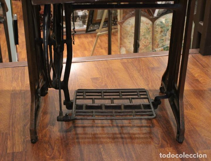 Antigüedades: Máquina Alfa, mueble original de hierro.Este producto sólo se suministra en Madrid - Foto 6 - 216490828