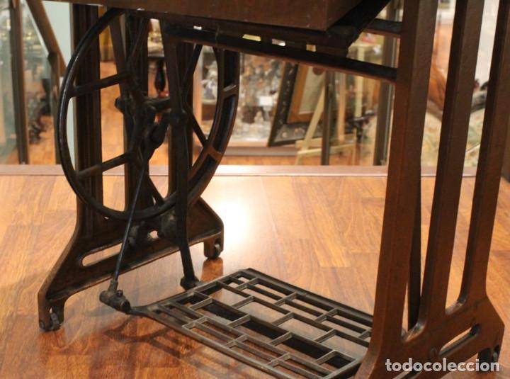 Antigüedades: Máquina Alfa, mueble original de hierro.Este producto sólo se suministra en Madrid - Foto 7 - 216490828
