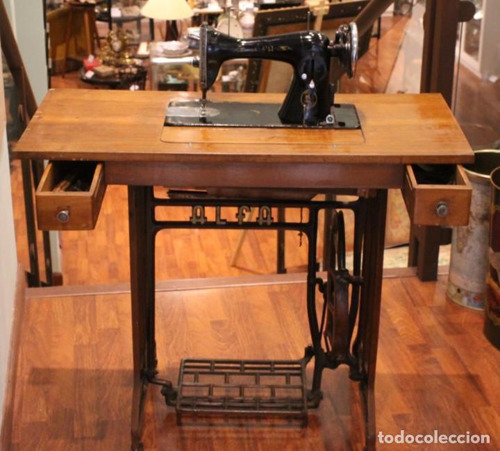 Antigüedades: Máquina Alfa, mueble original de hierro.Este producto sólo se suministra en Madrid - Foto 8 - 216490828