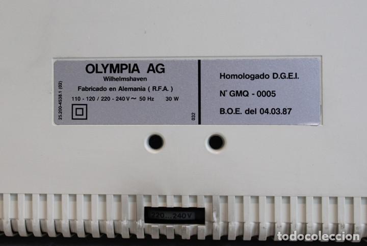 Antigüedades: Máquina de escribir eléctrica Olympia,modelo Carrrera,años 80/90,En perfecto estado,con estuche - Foto 4 - 216524272