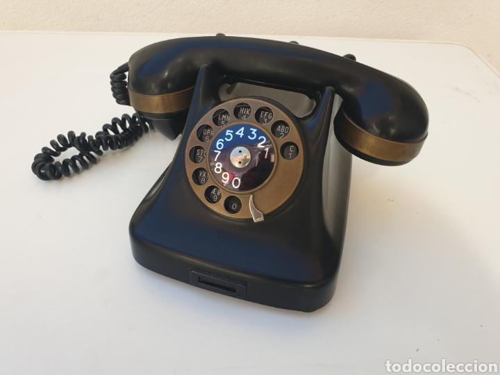 ANTIGUO TELÉFONO KRISTIAN KIRKS. EN LATÓN Y BAQUELITA. MUY BIEN CONSERVADO Y FUNCIONANDO. (Antigüedades - Técnicas - Teléfonos Antiguos)