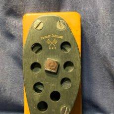 Antigüedades: POLEA PALMER JOHNSON VELERO REGATA AMERICA'S CUP NUM 843 BASE MADERA 30X14X10CMS. Lote 216599347