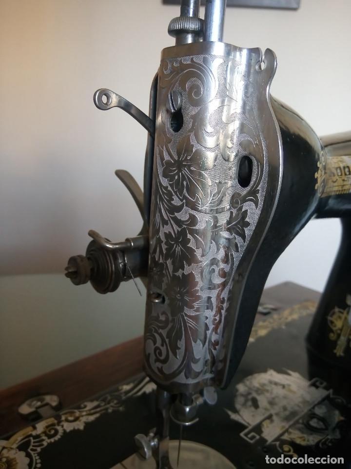 Antigüedades: MAQUINA DE COSER SINGER - BIEN CONSERVADA. FUNCIONANDO. DESCRIPCION Y FOTOS. - Foto 5 - 216655601