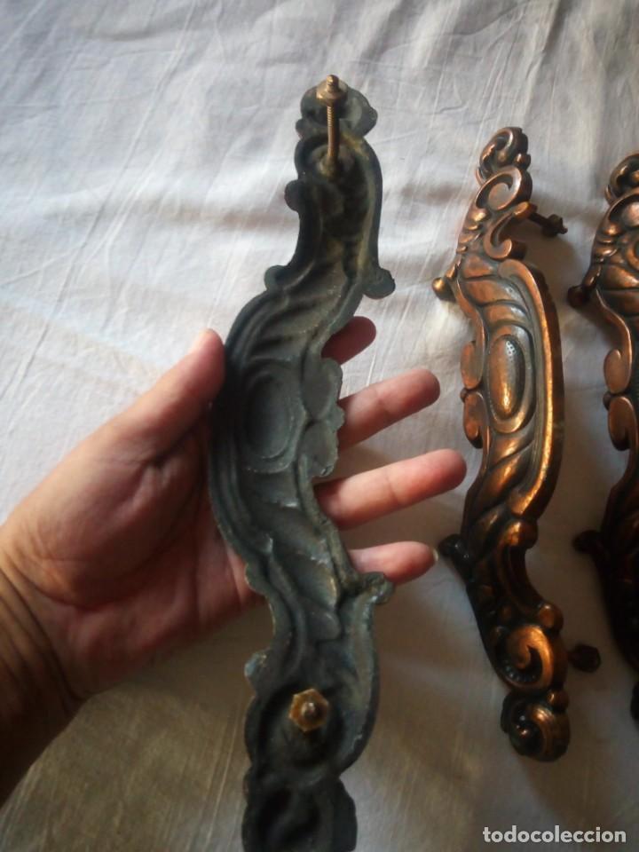 Antigüedades: Lote de 4 tiradores de armario de bronce - Foto 6 - 216864645