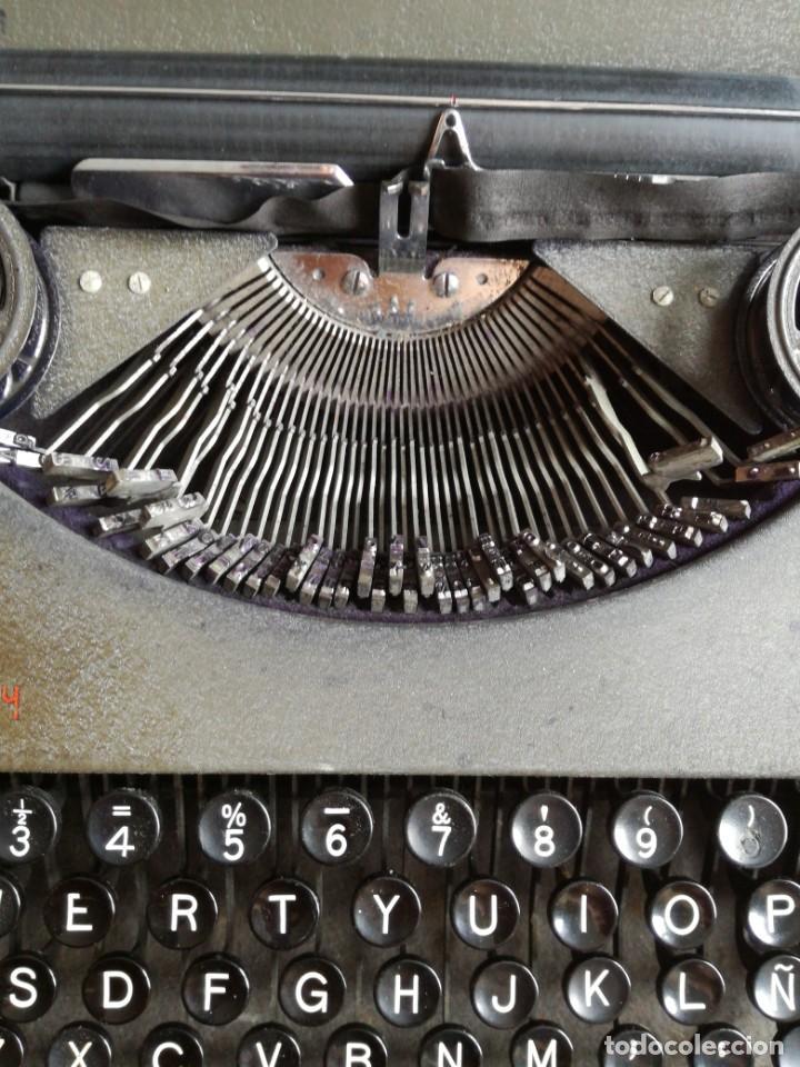 Antigüedades: Máquina de escribir portatil hermes baby en su maletin, años 30 - Foto 4 - 216869633