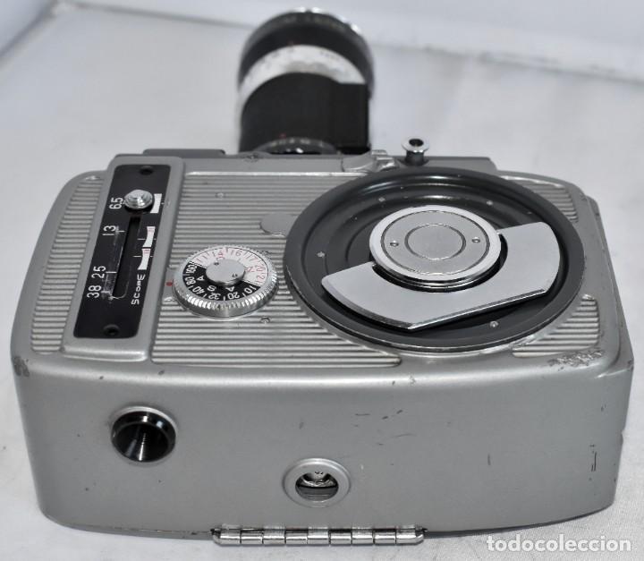 Antigüedades: EXCELENTE CAMARA DE CINE A CUERDA, 8 mm..YASHICA 8 +ZOOM LENS ..MUY BUEN ESTADO..FUNCIONA - Foto 15 - 216896463