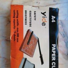 Antigüedades: PAPER CUTTER A4. Lote 216903696