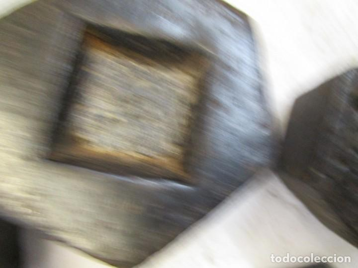 Antigüedades: LOTE 6 PESAS PONDERALES HIERRO, VARIOS LOGOS, EMPLOMADAS, RESELLOS CONTROL, 5-2-1-0.5-0.2-01 KG. + - Foto 6 - 177684239