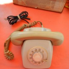 Teléfonos: ANTIGUO TELÉFONO HERALDO SOBREMESA - CON CLAVIJA - TELEFÓNICA ESPAÑA - AÑOS 60-70.. Lote 217019182