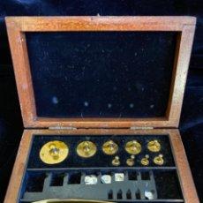 Antiquités: JUEGO DE PESAS, FALTAN LAS PEQUEÑAS.. Lote 217025625