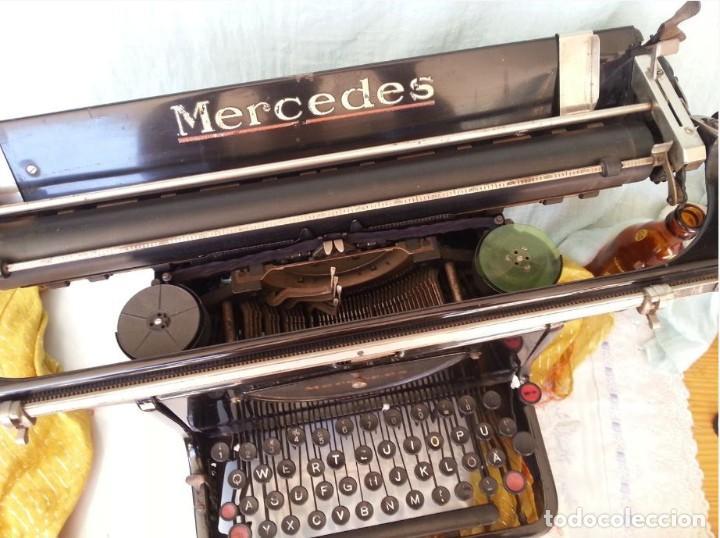 Antigüedades: Máquina escribir marca Mercedes. Antigua. Gran formato. Typewriter old - Foto 2 - 217095521