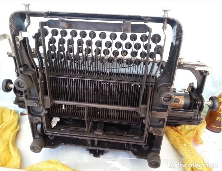 Antigüedades: Máquina escribir marca Mercedes. Antigua. Gran formato. Typewriter old - Foto 9 - 217095521