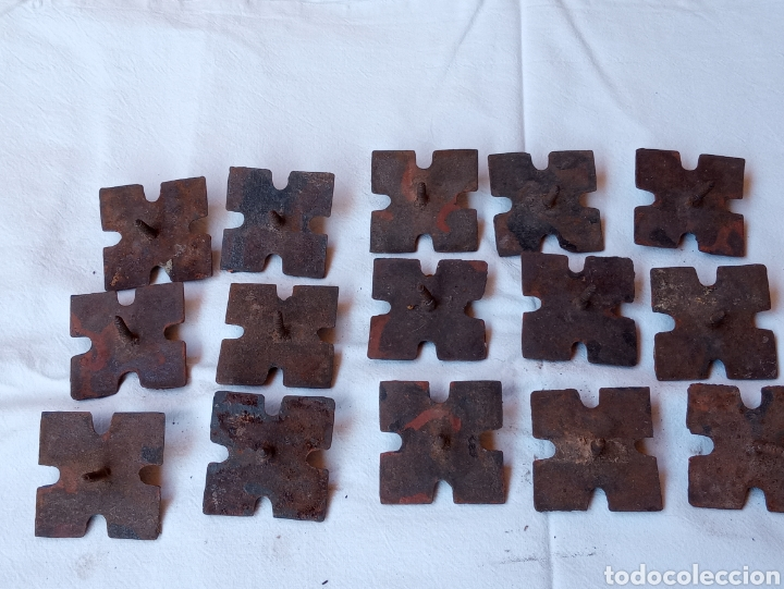 Antigüedades: **LOTE DE ANTIGUOS CLAVOS ADORNOS PARA PUERTAS O OTRAS COSAS (5/5 cm) DE TORNILLO** - Foto 4 - 217111837