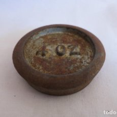 Antigüedades: PESA DE 4 ONZAS HIERRO PI. Lote 217125397
