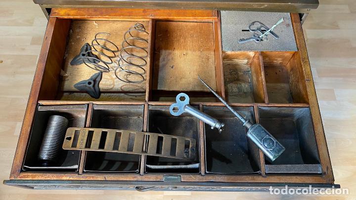 Antigüedades: PRECIOSA CAJA REGISTRADORA NATIONAL SIGLO XIX - Modelo con metal repujado - Foto 18 - 217205650
