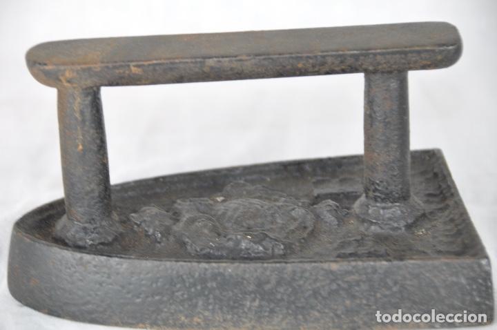 Antigüedades: Plancha de hierro DB - Foto 2 - 217335623