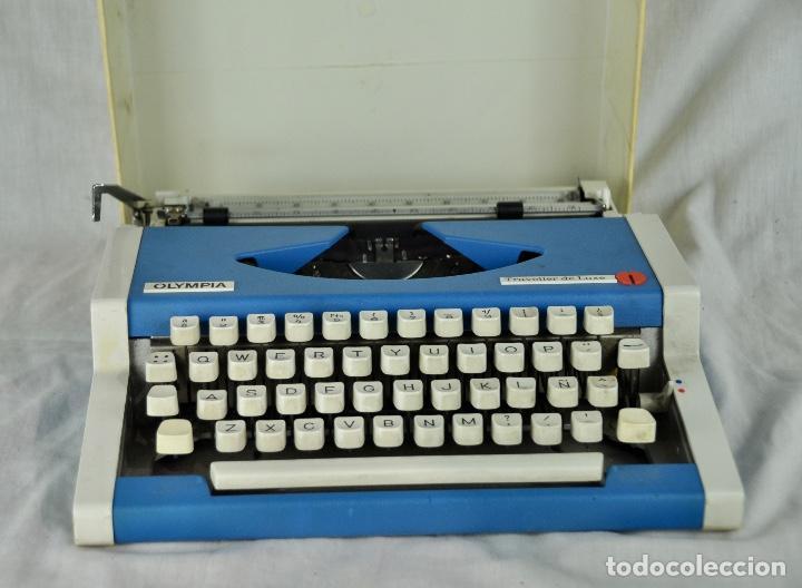 Antigüedades: Máquina de escribir Olympia Traveller de Luxe - Foto 2 - 217354270