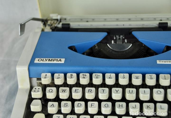Antigüedades: Máquina de escribir Olympia Traveller de Luxe - Foto 4 - 217354270