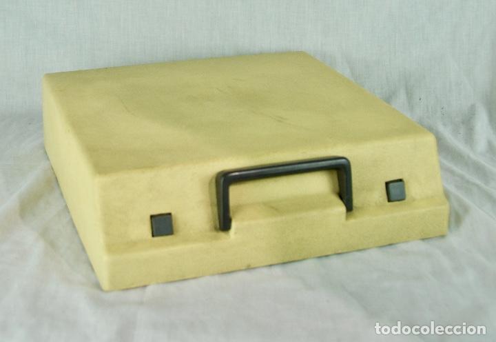 Antigüedades: Máquina de escribir Olympia Traveller de Luxe - Foto 8 - 217354270