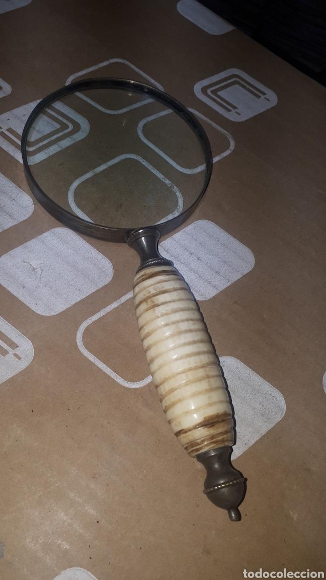 PRECIOSA LUPA EN METAL CON MANGO DE HUESO O MARFIL USO NUMISMÁTICO (Antigüedades - Técnicas - Instrumentos Ópticos - Lupas Antiguas)