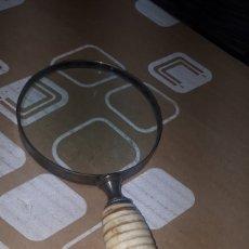 Antigüedades: PRECIOSA LUPA EN METAL CON MANGO DE HUESO O MARFIL USO NUMISMÁTICO. Lote 217379443
