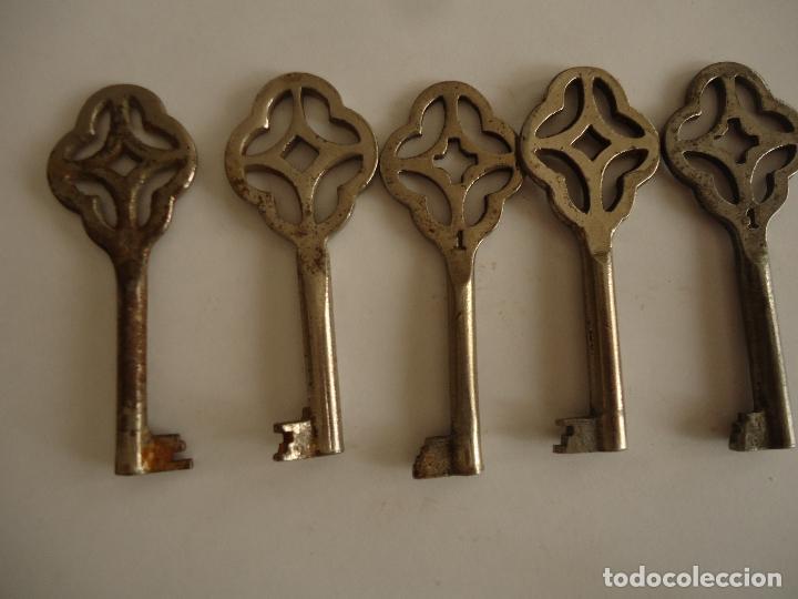 5 LLAVES HUECAS ANTIGUAS DE HIERRO. LARGO 7 (Antigüedades - Técnicas - Cerrajería y Forja - Llaves Antiguas)