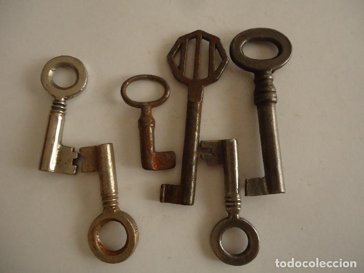 6 LLAVES ANTIGUAS DE HIERRO. LARGO 3,5 Y 6 CMS (Antigüedades - Técnicas - Cerrajería y Forja - Llaves Antiguas)