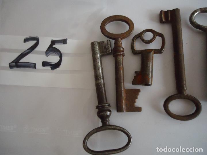 Antigüedades: 4 Llaves antiguas de hierro. largo entre 4 y 8 cms. - Foto 4 - 217475448