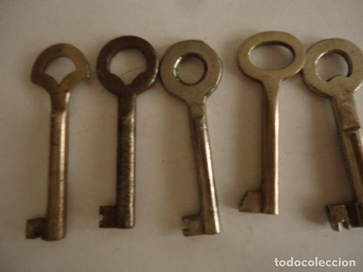 5 LLAVES ANTIGUAS DE HIERRO. LARGO 6,5 CMS. (Antigüedades - Técnicas - Cerrajería y Forja - Llaves Antiguas)