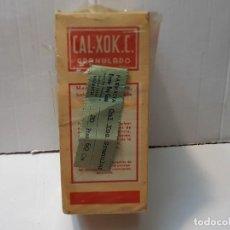 Antigüedades: FARMACIA ANTIGUO MEDICAMENTO CAL-XOK.C. LABORATORIOS FERRE SERRA 30-40 SIN ABRIR. Lote 217510511