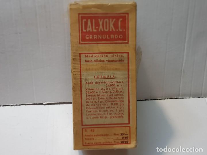 Antigüedades: Farmacia antiguo medicamento Cal-Xok.C. Laboratorios Ferre Serra 30-40 sin abrir - Foto 2 - 217510511