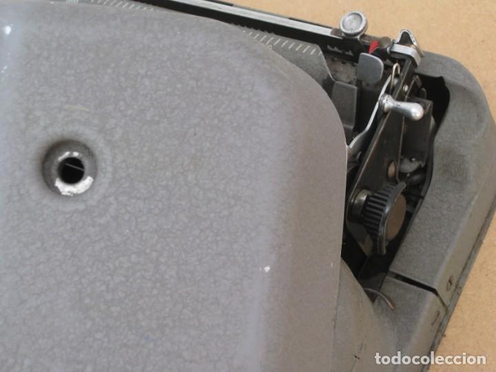 Antigüedades: Maquina escribir antigua. Hermes Baby. Suisse. - Foto 4 - 217529957