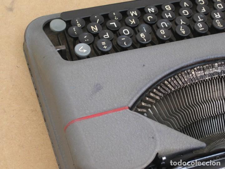 Antigüedades: Maquina escribir antigua. Hermes Baby. Suisse. - Foto 19 - 217529957