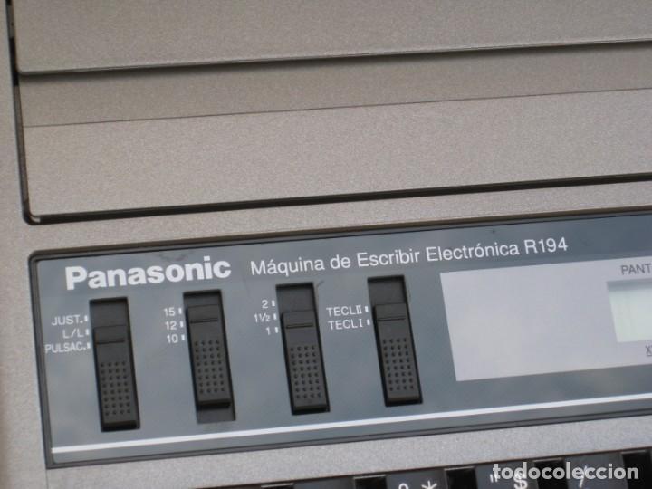 Antigüedades: Maquina electronica de escribir Panasonic R194 - Foto 2 - 217531693