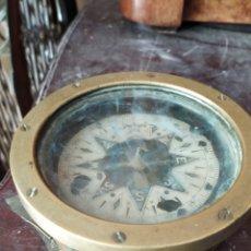 Antigüedades: ESPECTACULAR BRÚJULA DE BARCO DE BRONCE SIGLO XIX. Lote 217714810