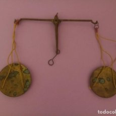 Antigüedades: ANTIGUA BALANZA PARA PESO DE ORO PLATA. Lote 217827223
