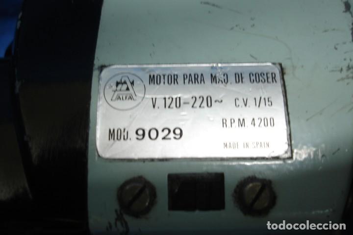 Antigüedades: ANTIGUO MOTOR + PEDAL PARA MÁQUINA DE COSER ALFA - Foto 2 - 217853310