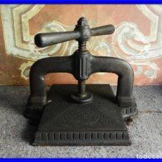 Antigüedades: ANTIGUA PRENSA MODERNISTA PARA ENCUADERNAR. Lote 217855325