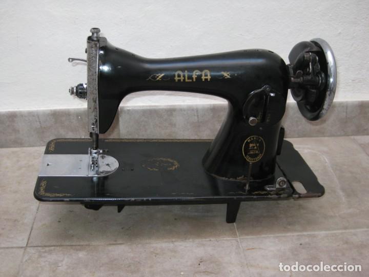 ANTIGUA MAQUINA DE COSER ALFA S.A. EIBAR. ESPAÑA. (Antigüedades - Técnicas - Máquinas de Coser Antiguas - Alfa)