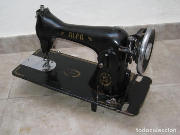 Antigüedades: Antigua maquina de coser Alfa S.A. Eibar. España. - Foto 13 - 217967411