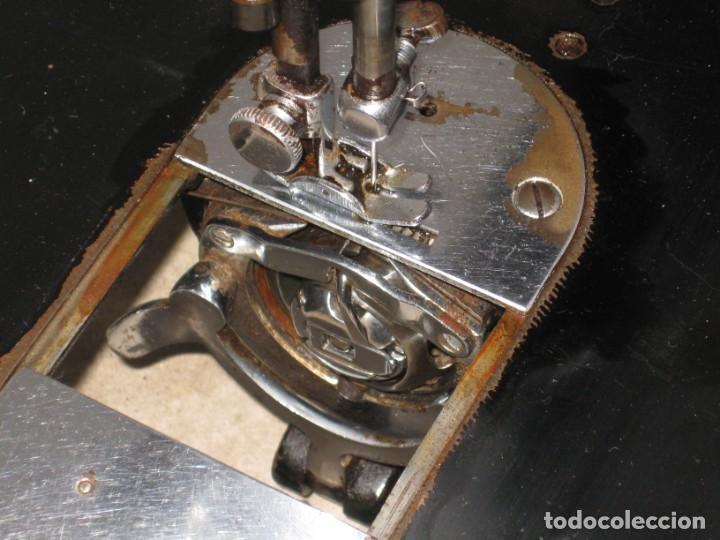 Antigüedades: Antigua maquina de coser Alfa S.A. Eibar. España. - Foto 15 - 217967411