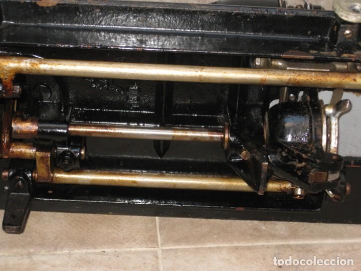 Antigüedades: Antigua maquina de coser Alfa S.A. Eibar. España. - Foto 18 - 217967411