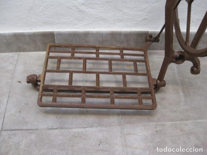 Antigüedades: Mecanismo pedal para maquina coser Alfa. - Foto 2 - 217967630