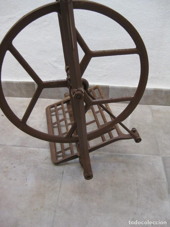 Antigüedades: Mecanismo pedal para maquina coser Alfa. - Foto 4 - 217967630